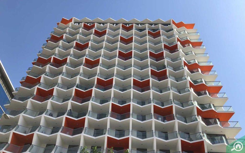 frontal view of binghatti stars building