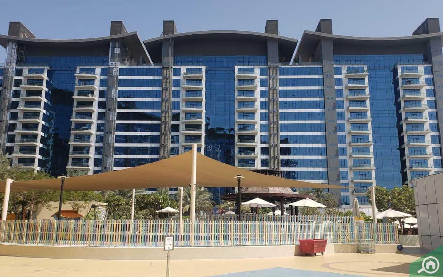 outside view of oceana in palm jumeirah