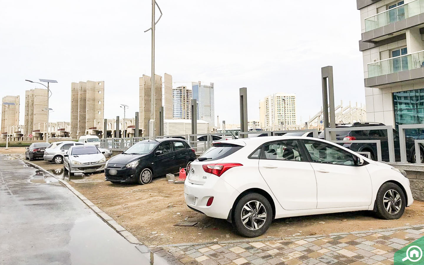 parking spaces in red residence