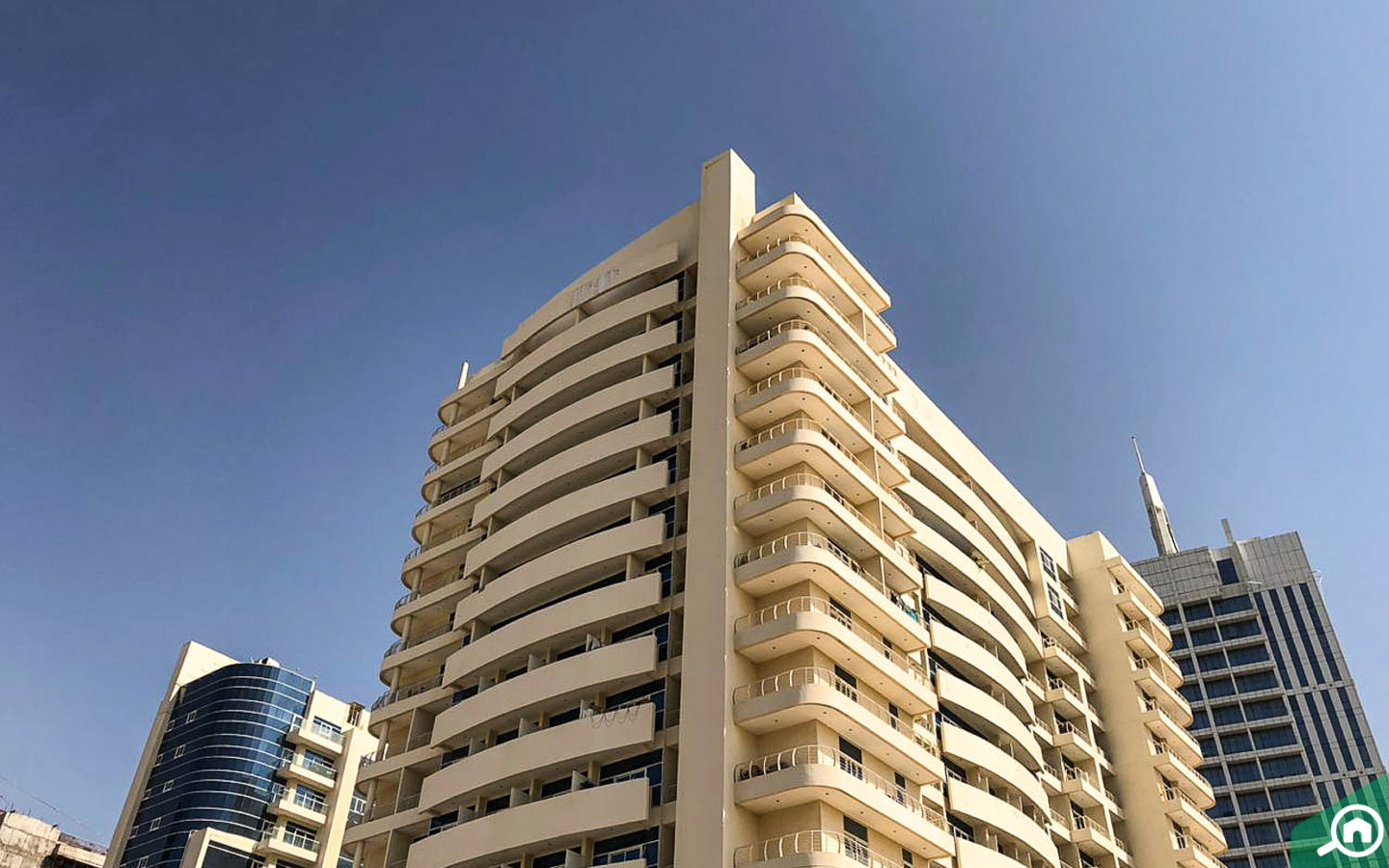 Royal Residence is located in Dubai Sports City