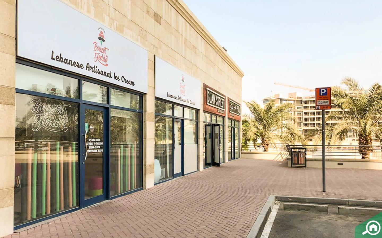 Ice cream shop in Jumeirah Bay X3
