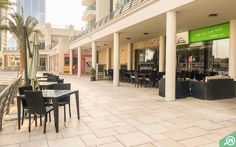 مطاعم قريبة من برج ايكون 2