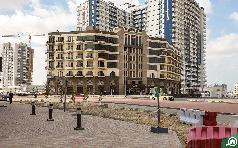 apartment buildings in Arjan