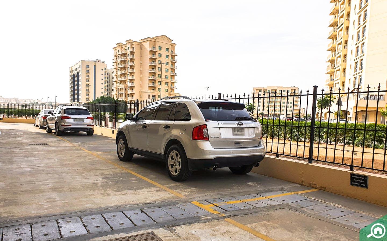 موقف سيارات برج مزايا 10B دبي
