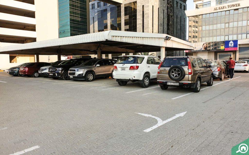 مواقف سيارات برج الصفا دبي