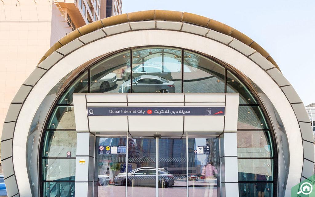 Dubai Internet City Metro Station near Al Seef Tower