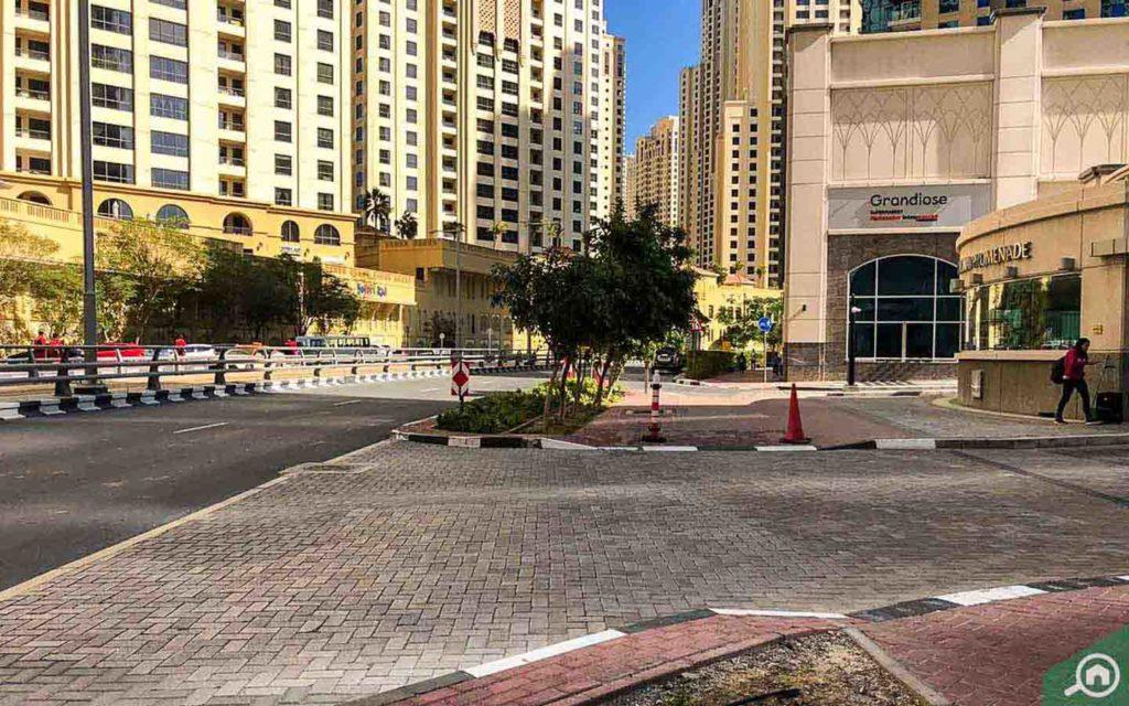Street view near Marina Promenade