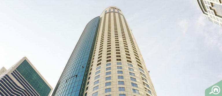برج بارك بلايس، شارع الشيخ زايد
