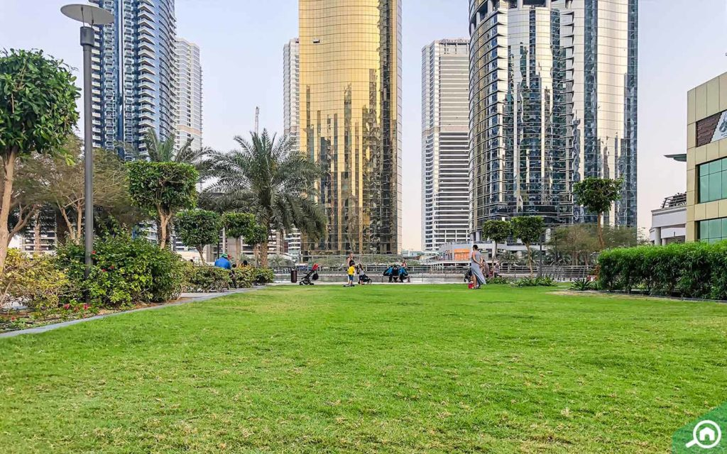 jlt park near dubai arch tower