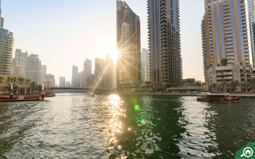 marina walk near dubai arch tower