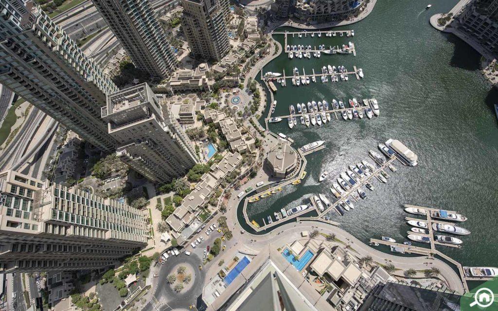 Dubai Marina Walk Green Promenade