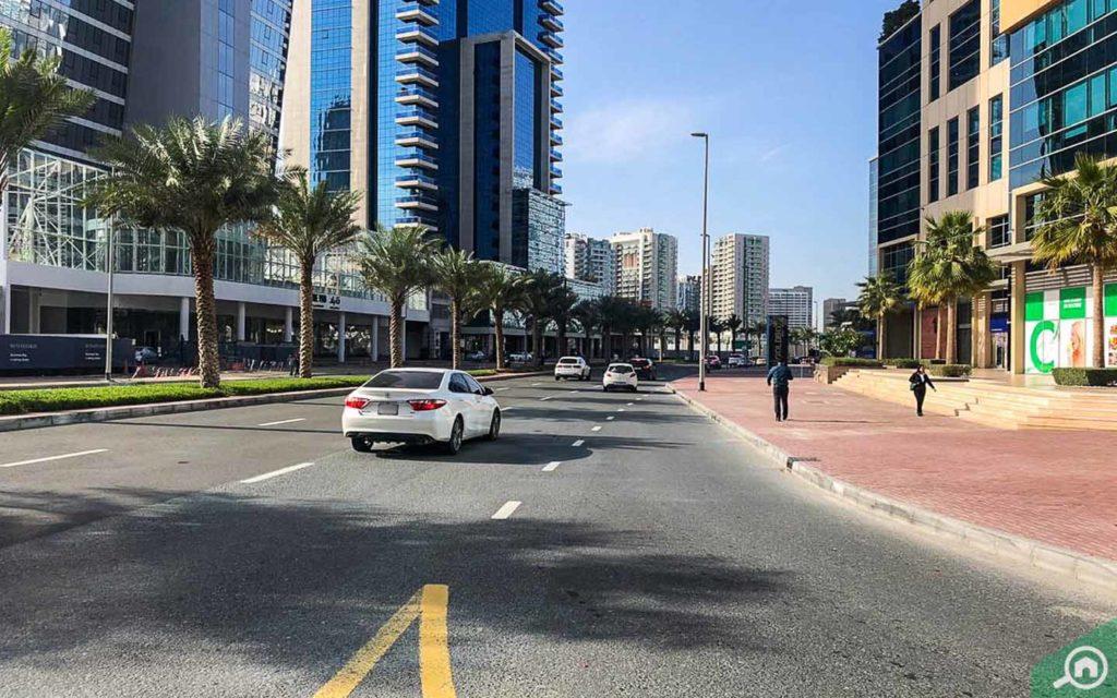 شارع في دبي