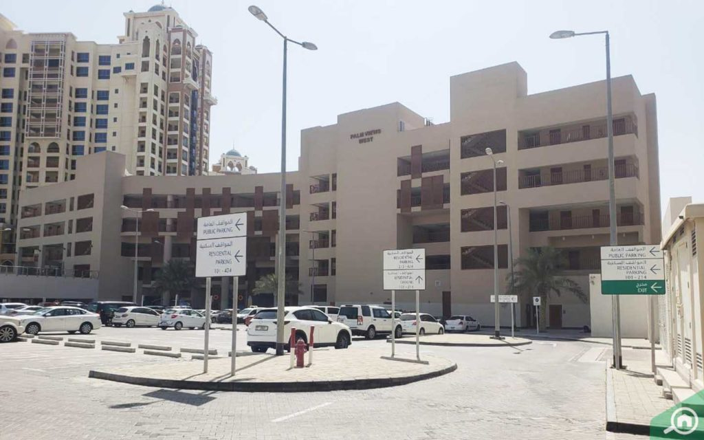 frontal view of Palm Views west building in the complex
