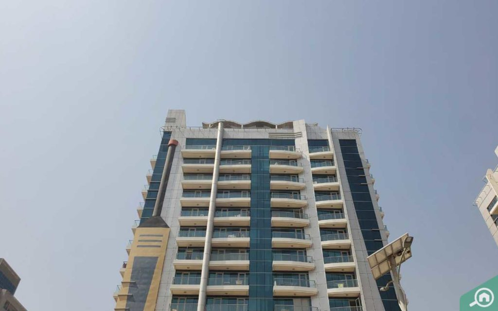 برج كريكيت في دبي