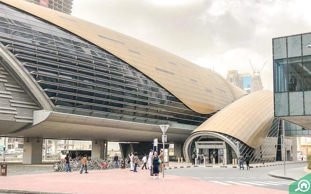 محطة مترو برج خليفة دبي مول