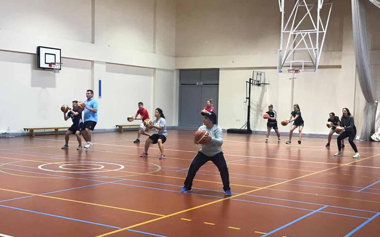 مرافق رياضية في مدرسة كينجز البرشاء