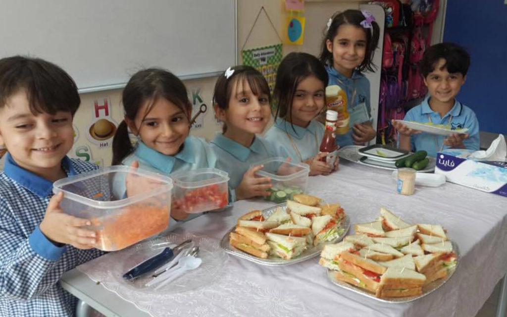 توعية طلاب مدرسة الوردية الخاصة مويلح عن أهمية الغذاء الصحي